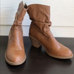 Size 6 1/2 Brown American Eagle Ankle Boots